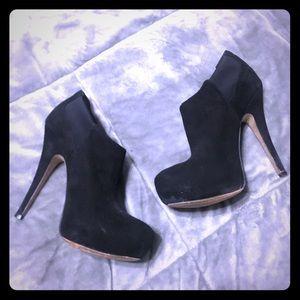 Jessica Simpson Black Heeled Booties, Size 6
